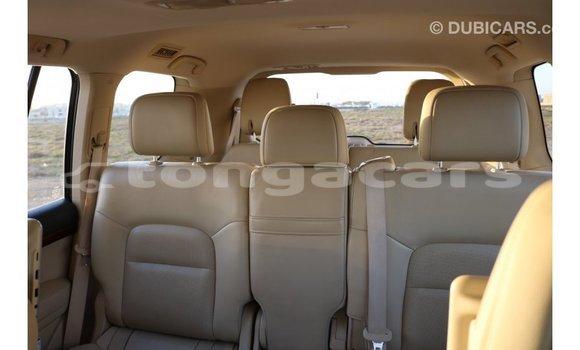 Buy Import Toyota IST White Car in Import - Dubai in Eua