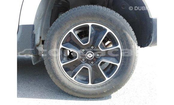 Buy Import Renault Duster White Car in Import - Dubai in Eua