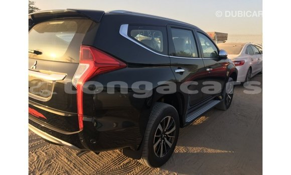 Buy Import Mitsubishi Montero Black Car in Import - Dubai in Eua