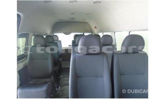 Buy Import Toyota Hiace White Car in Import - Dubai in Eua