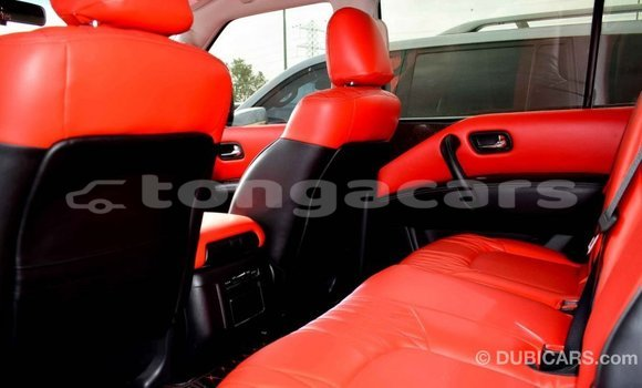 Buy Import Nissan Patrol White Car in Import - Dubai in Eua
