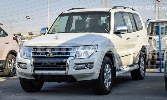 Buy Import Mitsubishi Pajero White Car in Import - Dubai in Eua