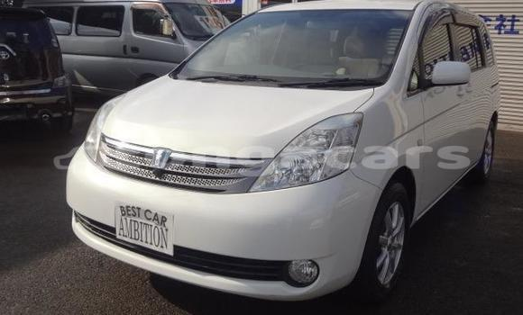 Buy Used Toyota ISis White Car in Hihifo in Niuas